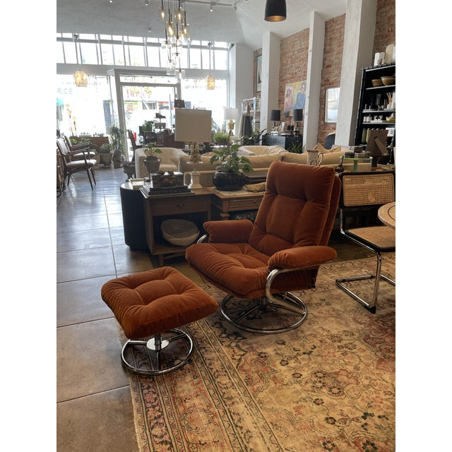 Mid-Century Modern 1990s Ekornes Rust Mohair Recliner and Ottoman For Sale - Image 3 of 10