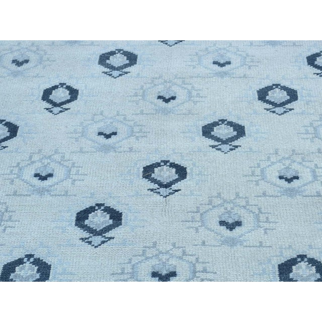 Hand-Knotted Wool Turkish Knot Oushak Cropped Rug- 9′2″ × 11′10″ For Sale - Image 9 of 12