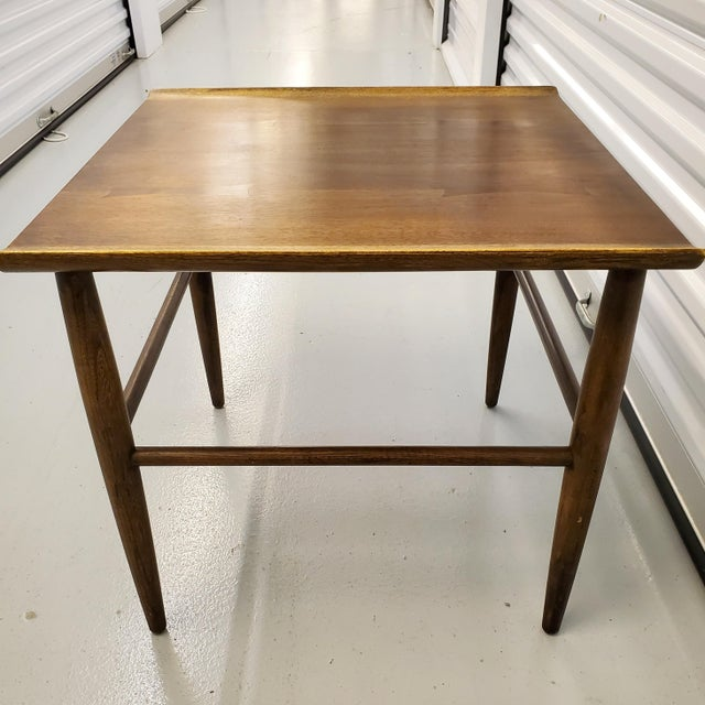 Baumritter Mid-Century Modern Baumritter Walnut Side Table With Bowtie Inlay & Oak Accents For Sale - Image 4 of 9