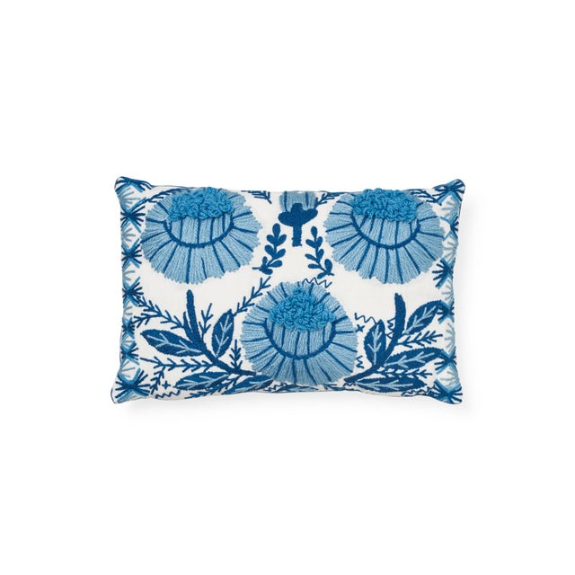 Textile Schumacher Marguerite Embroidery Pillow in Sky For Sale - Image 7 of 7