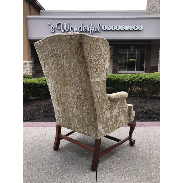 Chippendale Early 20th Century Chippendale Style American Eagle Carved Leg Claw & Ball Foot Wingback Chair For Sale - Image 3 of 9