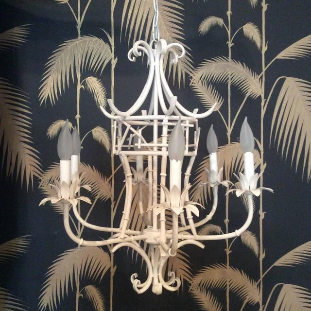 Beautiful vintage Chinese Chippendale, faux bamboo metal tole chandelier, six lights. Original finish, working order....