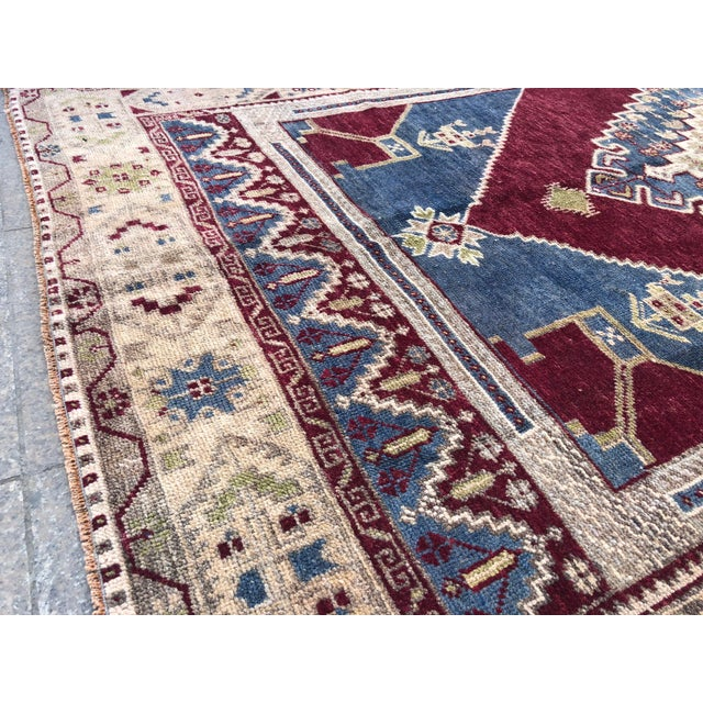 Textile 1960s Vintage Oversize Turkish Rug- 4′7″ × 8′8″ For Sale - Image 7 of 11