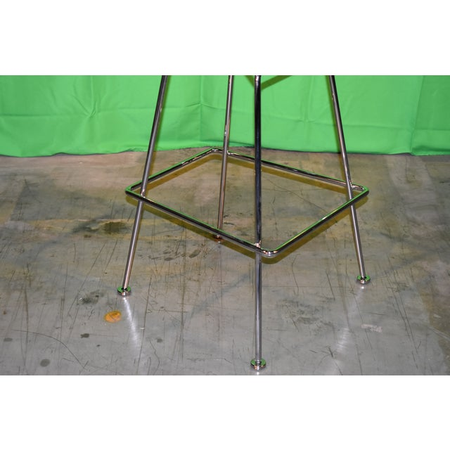Welded steel rods; polished chrome finish with chrome connections or bonded Rilsan® finish with stainless steel...