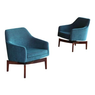1960s Vintage Jens Risom Swivel Lounge Chairs- a Pair For Sale
