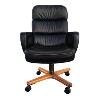 Danish-Modern Sculptural Swivel-Tilt Executive High-Back Desk Chair by Hiebert Inc For Sale