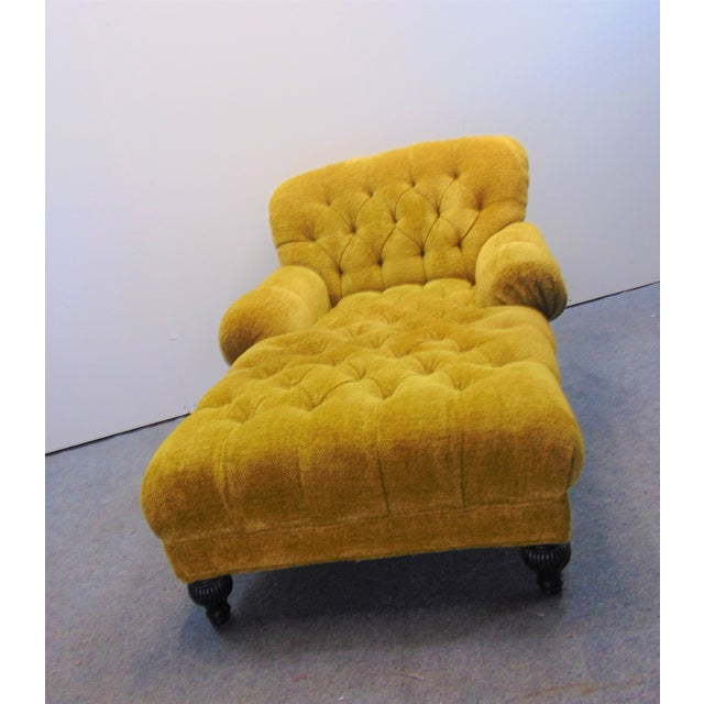 Traditional Schumacher Regency Style Yellow Tufted Chaise Lounge For Sale - Image 3 of 9