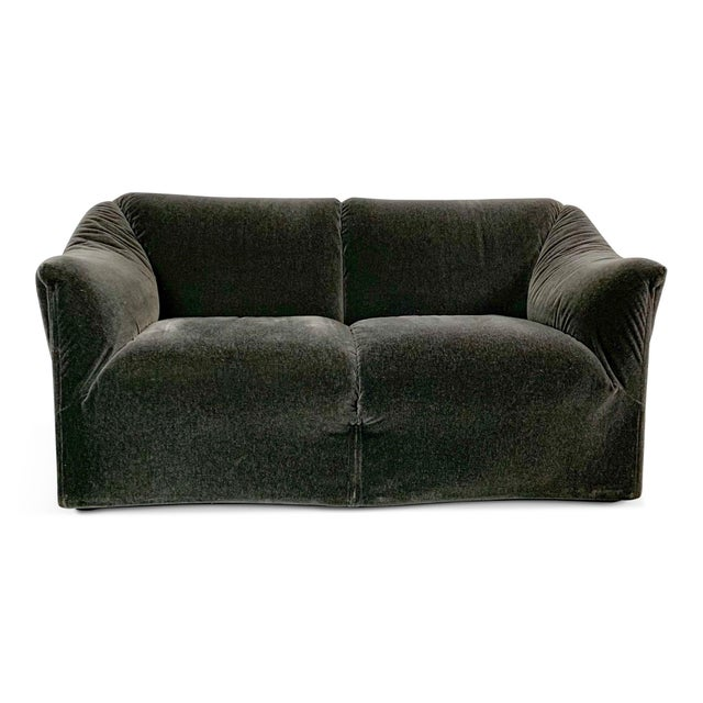 1990s 1990s Vintage Mario Bellini in Charcoal Mohair Cassina Tentazione Loveseat For Sale - Image 5 of 5