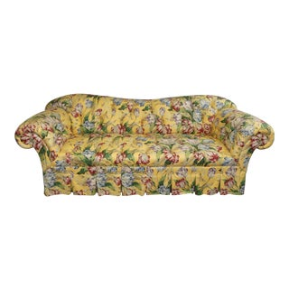 Baker Furniture Cottage Style Rolled Arm Button Tufted Sofa For Sale