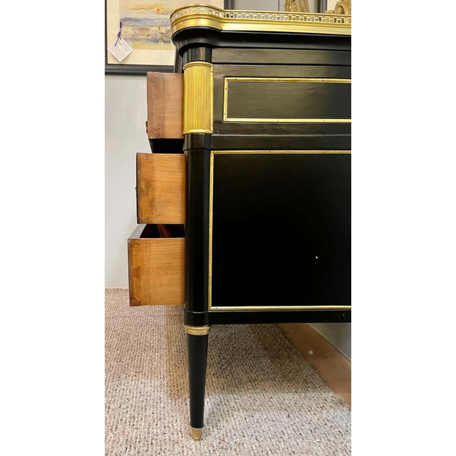 Maison Jansen Style Hollywood Regency Commodes or Chests / Nightstands a Pair For Sale - Image 10 of 13