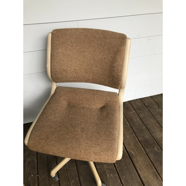 1980s Vintage Steel Case Knoll Inspired Teed Chairs a Pair For Sale - Image 5 of 8