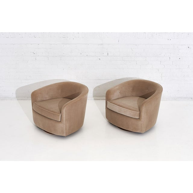 1960s Milo Baughman Swivel Barrel Chairs on Walnut Bases, 1960 For Sale - Image 5 of 10