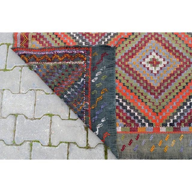 "Vintage Anatolia Turkish Hand Woven Cotton Rug - 5'5"" X 9'2"" For Sale - Image 10 of 10"