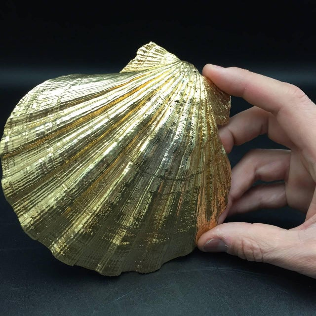 Creel and Gow Gold-Plated Pecten Shell, Symbol of Pilgrims & of Emblem of James For Sale - Image 4 of 7