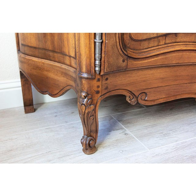 Mid 19th Century Antique French Walnut Enfilade 3-Door Sideboard For Sale - Image 5 of 11