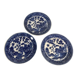 1950s Vintage Blue Willow Plates Saucers - Set of 3 For Sale