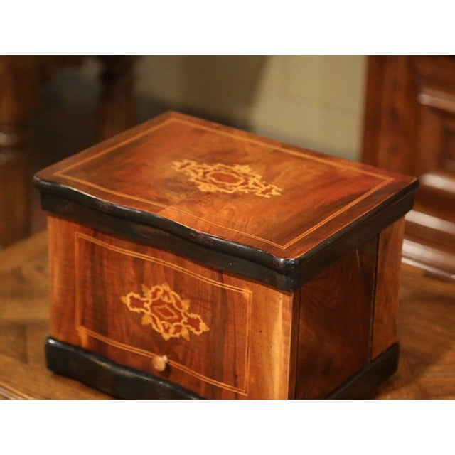 Gold 19th Century French Napoleon III Walnut Cave a Liqueur With Inlay Marquetry For Sale - Image 8 of 12