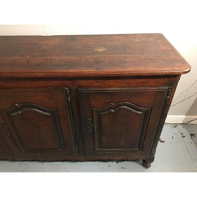 French Provincial Louis XV Period Buffet in Walnut For Sale - Image 3 of 13