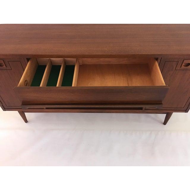 Bassett Mid Century Modern Sideboard - Image 4 of 11