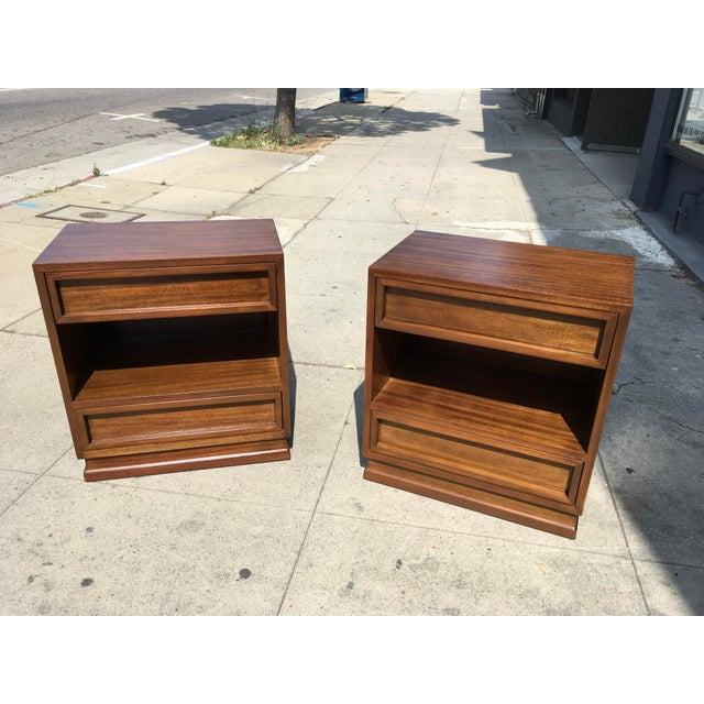 1950s Mid Century Modern Triangle Brand Mahogany Nightstands - a Pair For Sale - Image 4 of 11