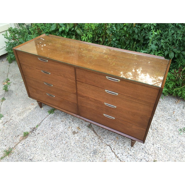 Broyhill Premier 8-Drawer Chest - Image 6 of 11