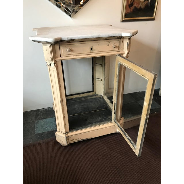 Late 19th Century 19th Century French Marble Topped Glass Cabinet For Sale - Image 5 of 12
