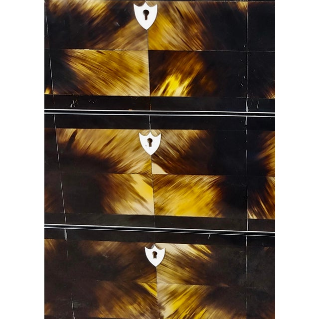 1960s Bull Horn Veneer & Black Lacquer Beautiful 3 Draws Commode For Sale - Image 5 of 9