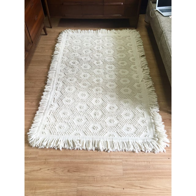 "White Wool Rug - 4'5"" x 7'1"" - Image 2 of 10"