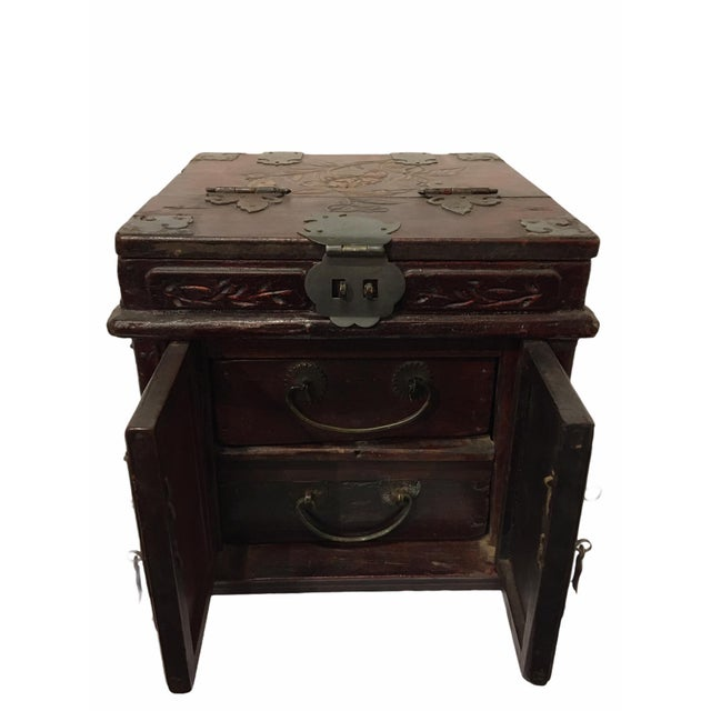 Antique Wooden Chinese Keepsake / Jewelry Box For Sale - Image 4 of 10