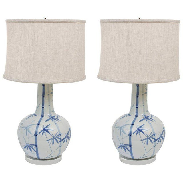 Pair of Blue and White Ceramic Lamps - Image 4 of 4
