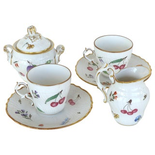 "Richard Ginori Italy ""Perugia"" Lidded Sugar Bowl, Creamer, Cups and Saucers - 6 Pc. Set For Sale"