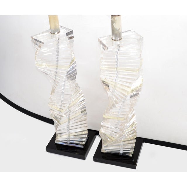 Metal Mid-Century Modern Stacked Clear Lucite Lamps Spiral Staircase Design - a Pair For Sale - Image 7 of 13