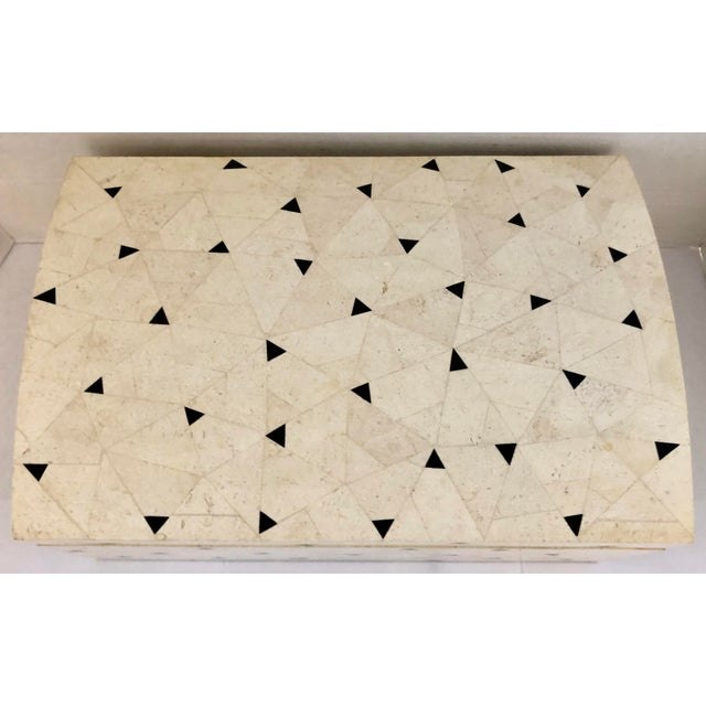 Large and chic tessellated stone jewelry box from 80's. Off white and black with interiors and bottom covered with black...