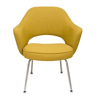 Mid-Century Modern Saarinen for Knoll Executive Arm Chair For Sale