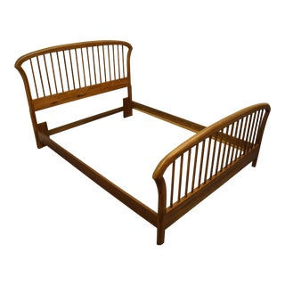 Thomasville Furniture Stone Creek Collection Queen Size Spindle Bedframe For Sale
