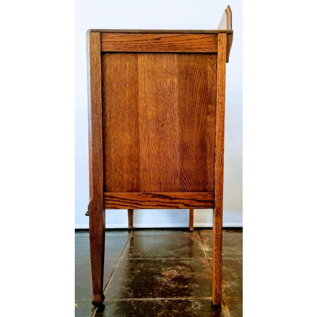 1910s Antique English Oak Arts & Crafts Sideboard / Buffet For Sale - Image 5 of 13