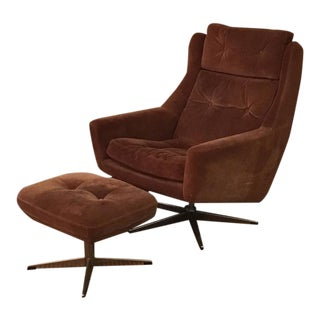 Scandinavian Modern Reclining Swivel Suede Lounge Chair & Ottoman by John Stuart For Sale