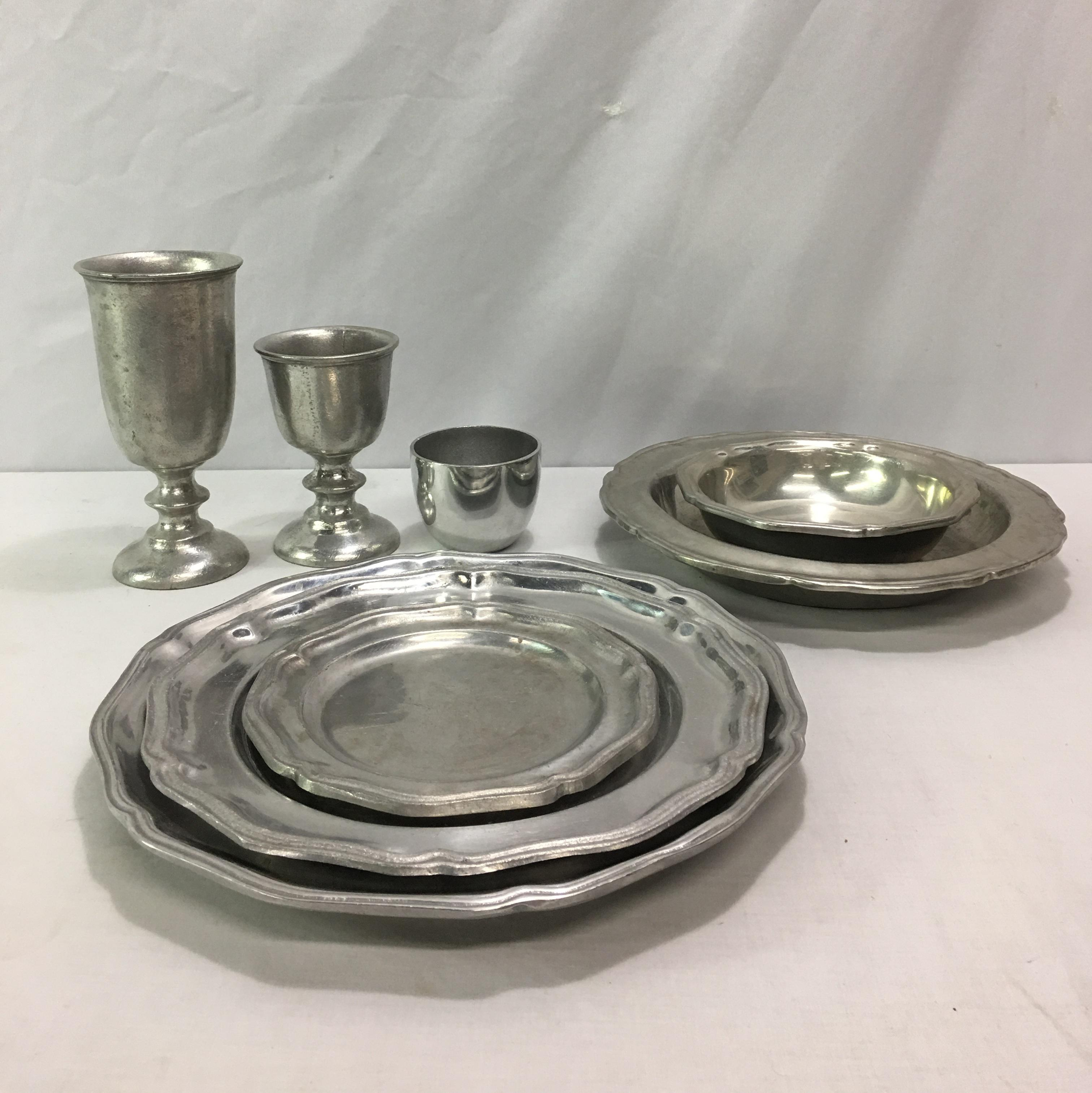 Gothic Queen Anne Pewter Dinnerware For Sale   Image 3 Of 11