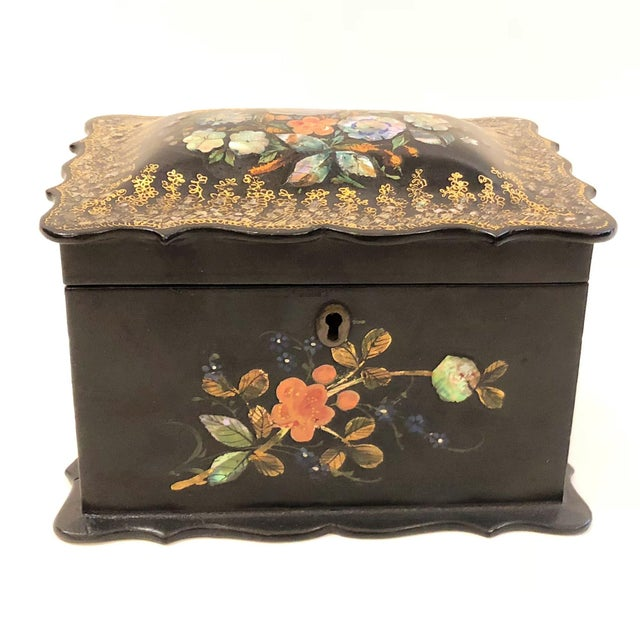 Mid 19th Century Antique English Victorian Paper Mache Tea Caddy, Circa 1850-1870. For Sale - Image 5 of 5