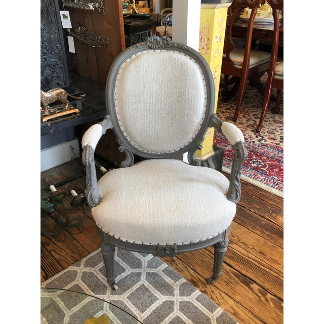 1940s Vintage Grey Painted French Fauteuil Chairs- A Pair For Sale In Philadelphia - Image 6 of 13