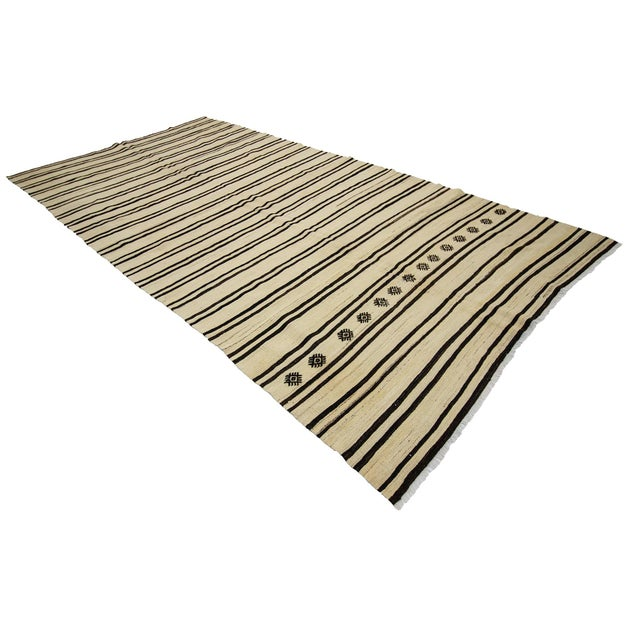 1960s Vintage Striped Natural Kilim Rug- 6′2″ × 12′1″ For Sale - Image 4 of 7