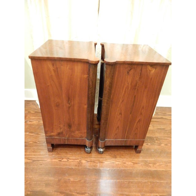 French Pair of 19th C Charles X French Walnut Bedside Cabinets For Sale - Image 3 of 11