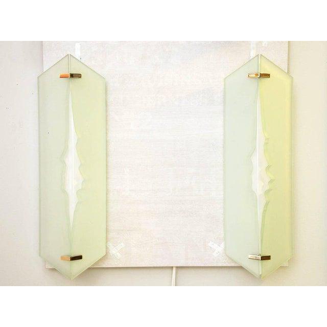 Fontana Arte Fontana Arte, Pair of Wall Lights in Glass and Sandblasted Glass, 1960s For Sale - Image 4 of 8