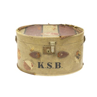 Antique Hat Traveling Case For Sale