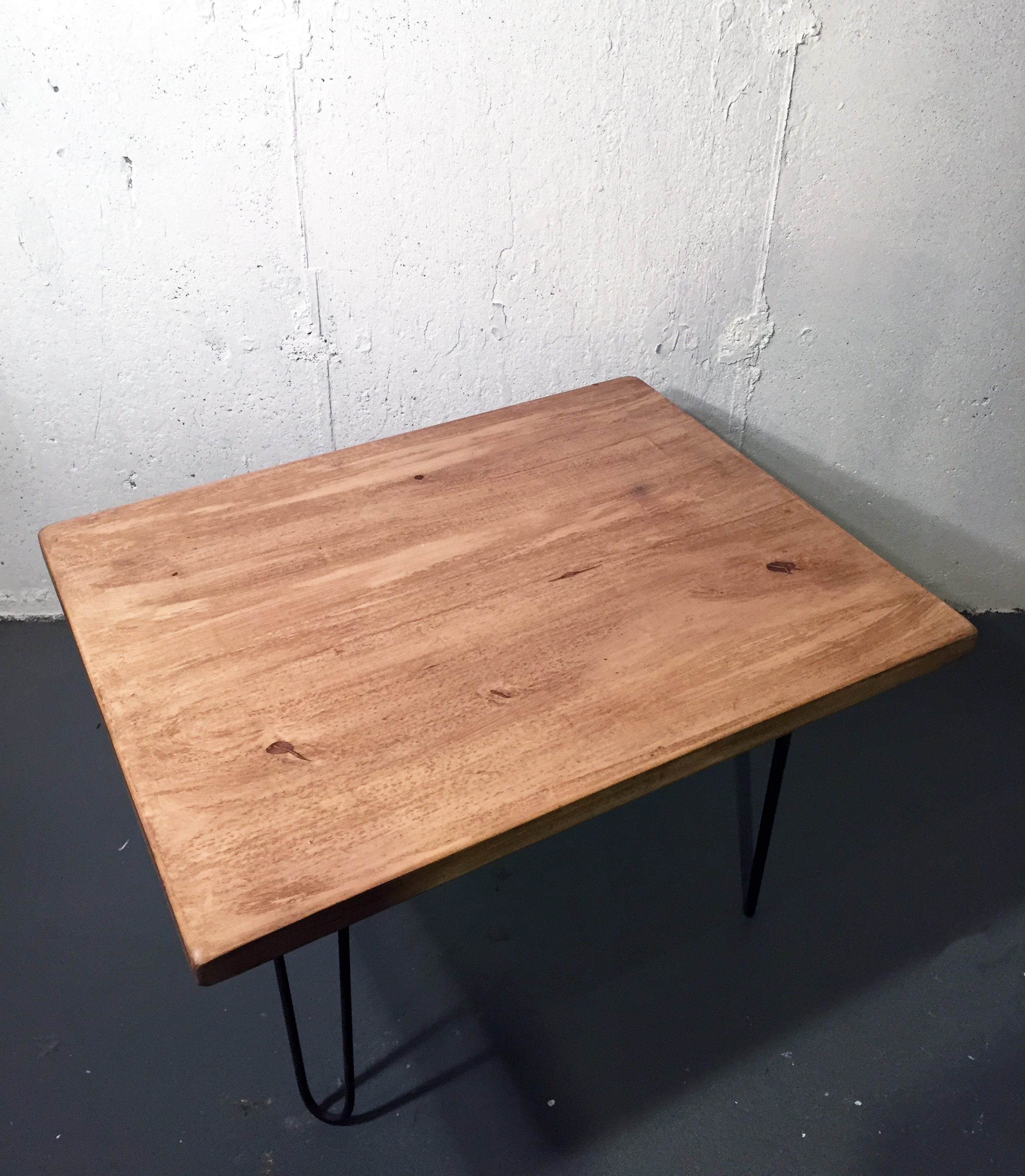 Repurposed Wood Coffee Table With Hairpin Legs   Image 7 Of 7