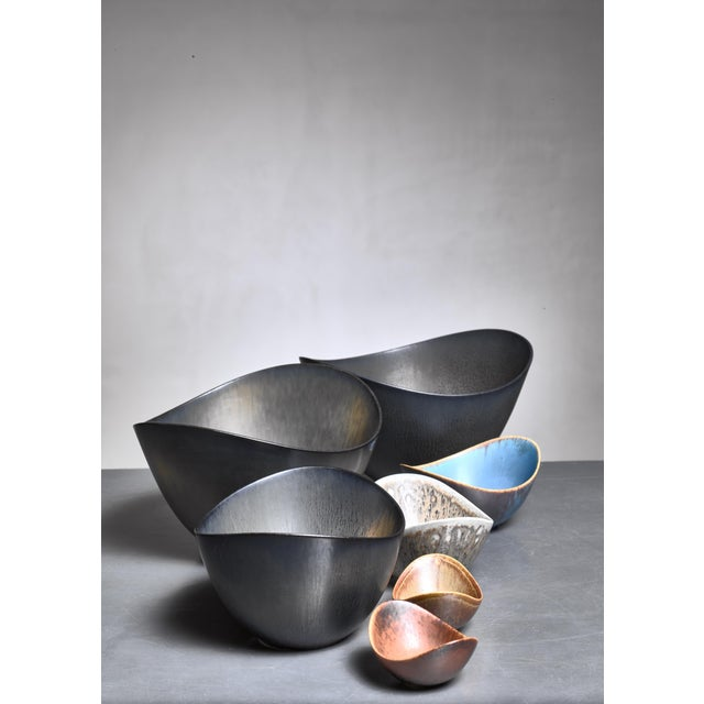 Mid-Century Modern Set of 7 Gunnar Nylund Ceramic Bowls for Rörstrand, 1950s For Sale - Image 3 of 3