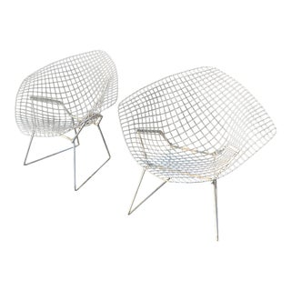 Wire Diamond Chairs by Harry Bertoia for Knoll - a Pair For Sale