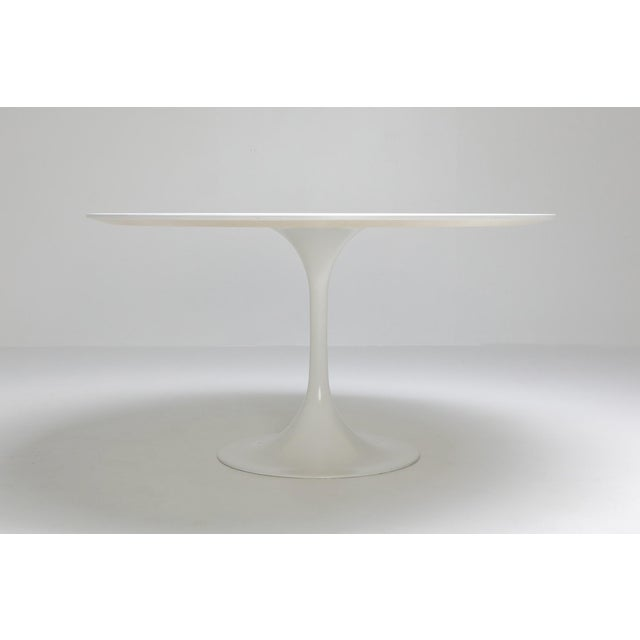 "Postmodern 1970s Eero Saarinen ""Tulip"" Dining Table for Knoll For Sale - Image 3 of 10"