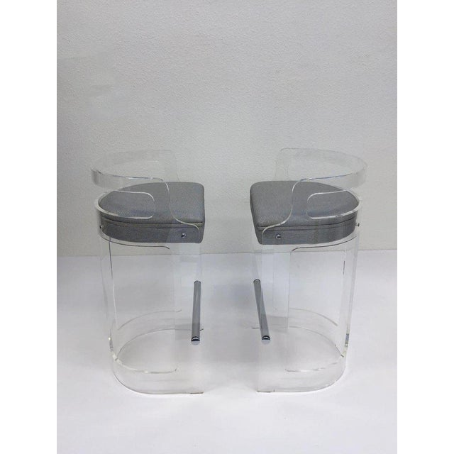 1980s 1980s Hill Manufacturing Co. Lucite and Chrome Barstools - a Pair For Sale - Image 5 of 10