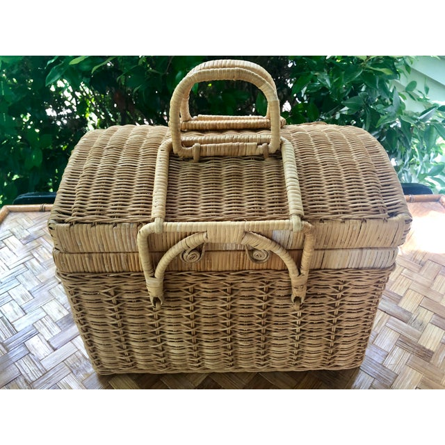 Best looking vintage picnic basket I've ever seen! The intricate weave, and the spiral detail on the handles! This basket...